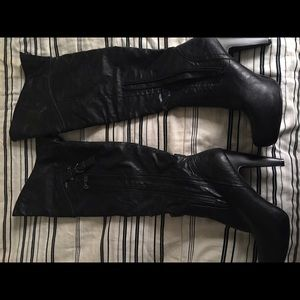 Guess knee high zipper boots