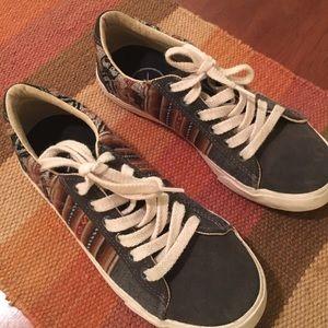Inkkas shoes size 7