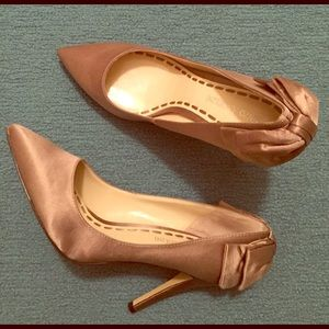 Taupe satin bow back pumps