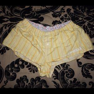 Fashion Nova Pants - Sexy booty shorts!
