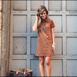 WAYF Dresses & Skirts - NWT WAYF faux suede stretch shift dress