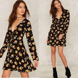 Nasty Gal Dresses & Skirts - Cybill Floral Dress🌻