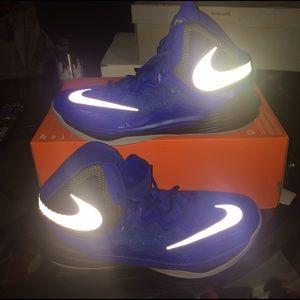New nike men basketball sneakers