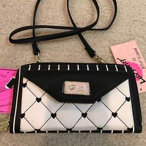 Betsey Johnson Handbags - 💕Only Today! Betsey Johnson wallet crossbody