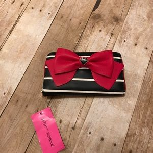 NWT BETSEY JOHNSON BOW WALLET
