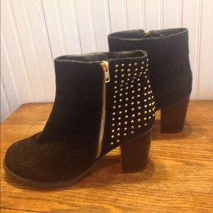 Ashley Stewart Shoes - Ashley Stewart black and gold boots size 10