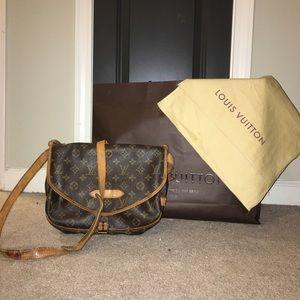 Louis Vuitton Handbags - AUTH Louis Vuitton Saumur 30