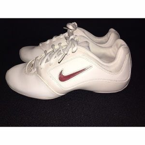 NIKE Cheer Shoes Sz 6