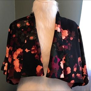 Anthropologie Jackets & Blazers - Anthropologie floral print, sleeved cape