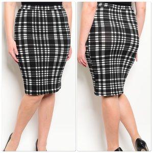 Dresses & Skirts - White & Black Pencil Skirt Plus Size