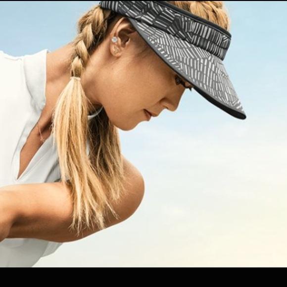 216bf5f9 Nike Accessories   Golf Big Bill Visor Nwt   Poshmark