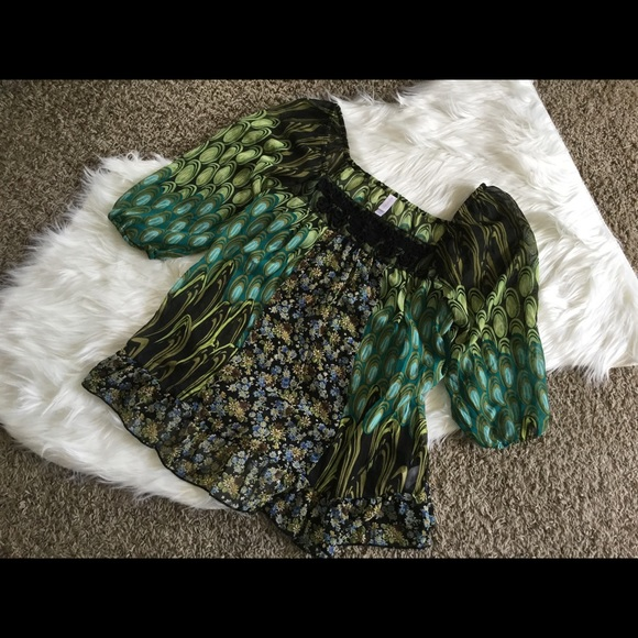 Vintage Tops - Beautiful Vintage Blouse