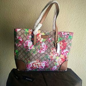 Gucci Handbags - $195 ⏪ Available Blooms Tote