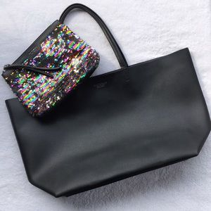Victoria's Secret Handbags - 🌈Victoria's Secret Tote w/ Makeup Bag🌈