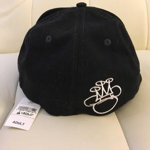 Disney Accessories - Mickey Mouse fitted hat a93e9e9eb1b
