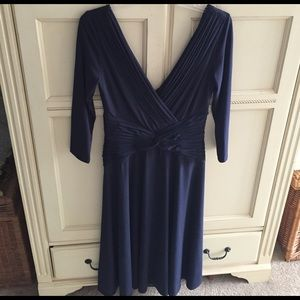 Tadashi Shoji Dresses & Skirts - Tadashi navy three quarter length sleeve dress
