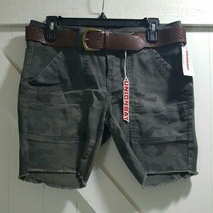 UNIONBAY Pants - Unionbay Belted Camouflage Shorts