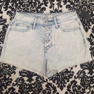 Abercrombie & Fitch Pants - A&F High Rise Stretch Shorts