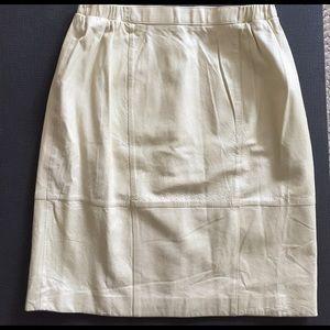 Mitrani leather lined skirt, gold sz  Large