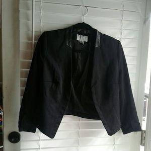 H&M 3/4 sleeve black blazer