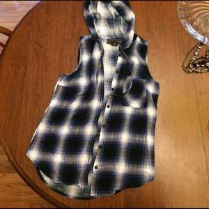 Polly & Esther Tops - Plaid sleeveless hooded shirt