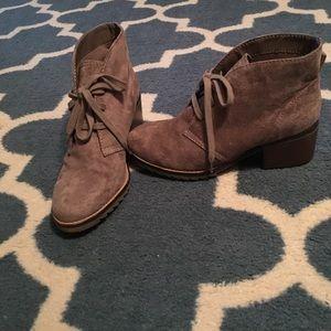 Merona Ankle Boot Size 8- EUC