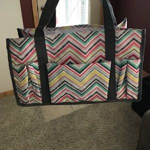 Thirty-one small organizing tote!