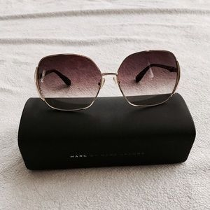 metal frame squared sunnies