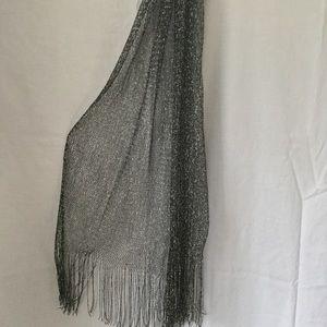 Accessories - 🎉SALE!!🎉Black metallic net fringe scarf