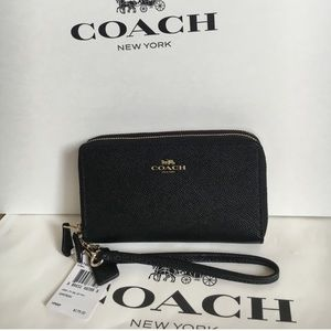 Coach Handbags - 🍥coach wristlet/wallet black