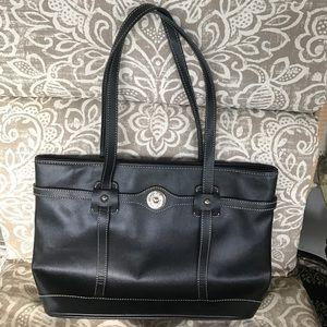 Dooney & Bourke Handbags - Dooney & Bourke black handbag purse