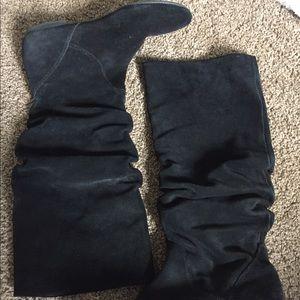 Steve Madden black suede boots size 6