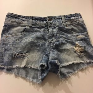 Tinseltown Pants - ✅2 for $15 Tinseltown white Print Denim shorts