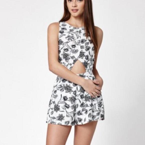 00a7e06c29d8 NWT Kendall + Kylie floral print cut out romper