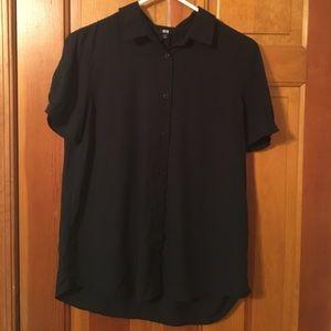 NWOT Uniqlo black short sleeve button down
