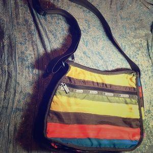 LeSportsac Handbags - LeSportsac messenger bag EUC