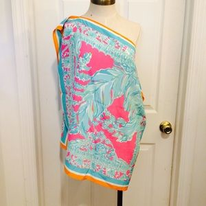 Lilly Pulitzer Silk Top in Engineered Print