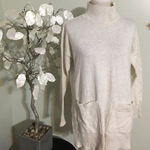 Ann Taylor Sweaters - Ann Taylor Sweater