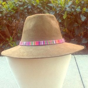 Scala Accessories - Faux suede olive safari hat with tribal trim strap