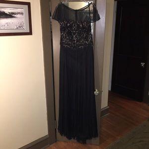 Tadashi Shoji Dresses & Skirts - SALE! NWT Full length black Tadashi Shoji gown 14