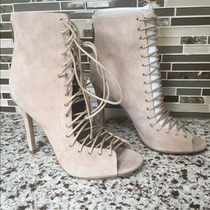 694ec43601 Kendall & Kylie Shoes - 🏅HP 🏅Kendall + Kylie Ginny Lace - up sandals