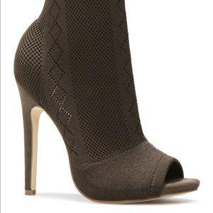 Shoe Dazzle Shoes - Anka sock bootie size 8 color olive