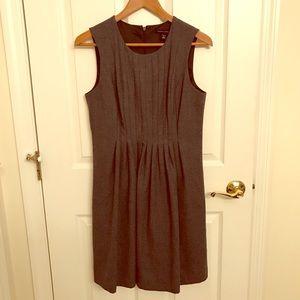 Banana republic wool dress with pockets!