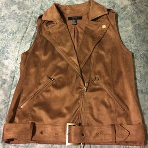 Faux suede vest size small with belt.