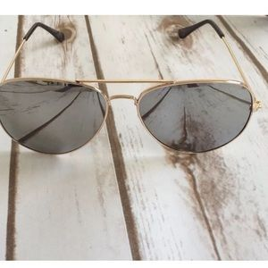 debfb3e8c3 Mirrored Aviators Grey  Gold. Boutique