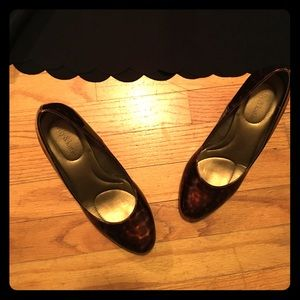 Kelly & Katie Shoes - Tortoise Heels 👠 🐢 | Size 8