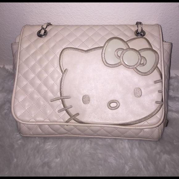 e8e0bc04b Hello Kitty Quilted Purse. M_58b640382ba50a845402b380