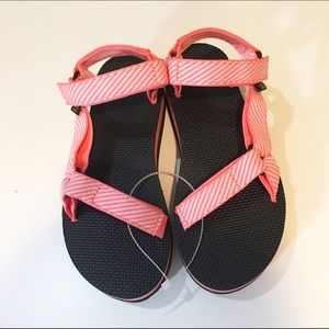 65612088ed6 Teva Shoes - Teva
