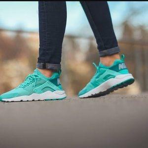 Nike Shoes - Women's NIKE Air Huarache Run Ultra