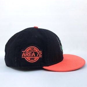 4f1dfe78bd6 Nike Accessories - Nike Area 72 Ray-Gun SnapBack hat